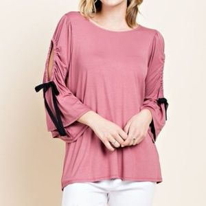 NWT open bell sleeve top with bow detail